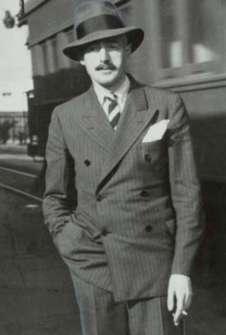 DASHIELL HAMMETT (FOTO 1)