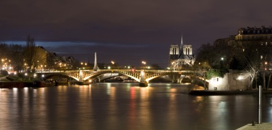 Paris - Cathédrale Notre-Dame de Paris vue du Port Henri IV
