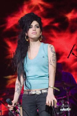 AMY WINEHOUSE (FOTO 1)