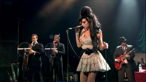 AMY WINEHOUSE (FOTO 2)