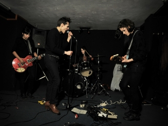 SAVAGES-FOTO 3