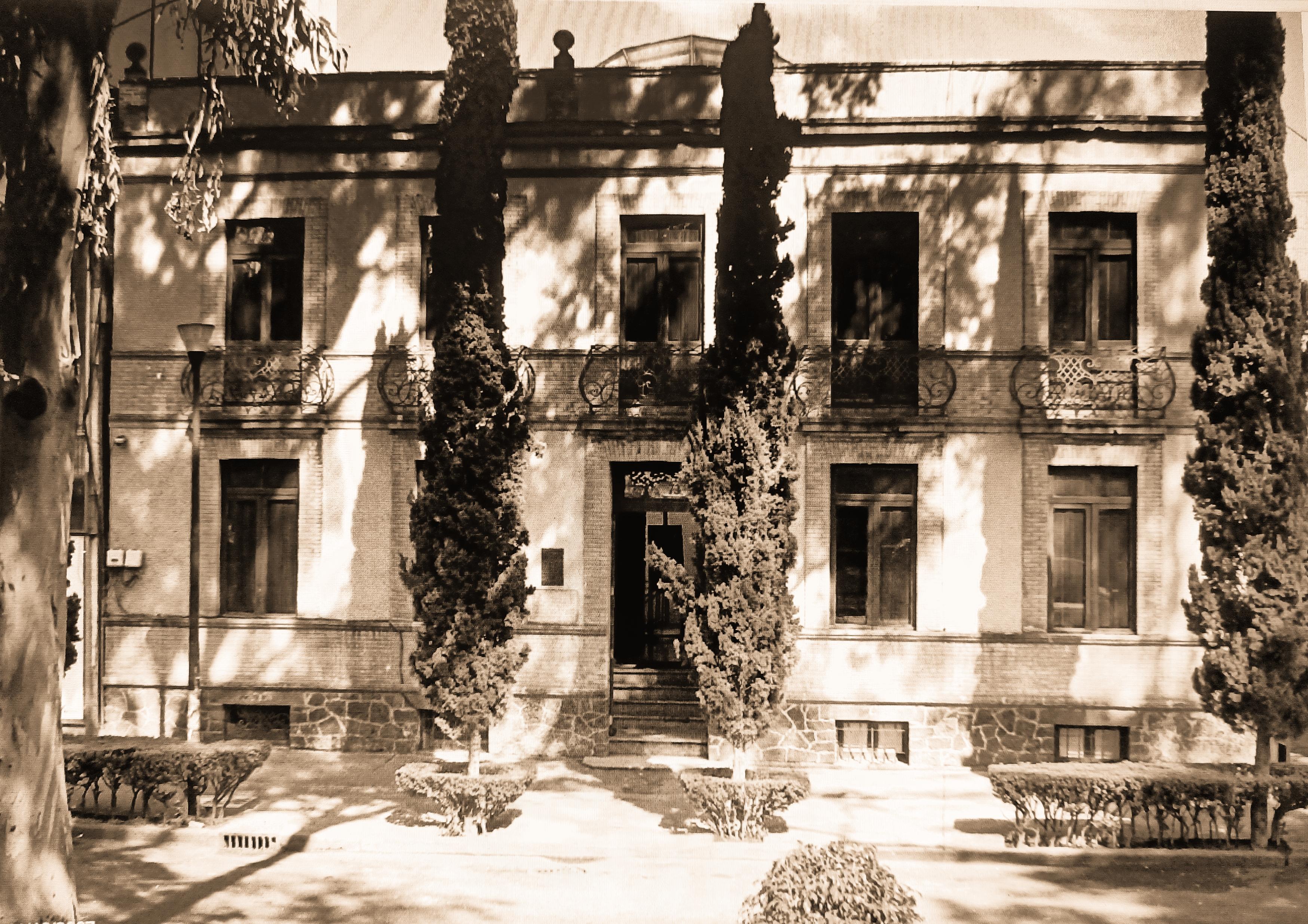 SINOPSIS 107 (FOTO 4)
